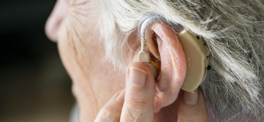 audifonos Adultos mayores y pérdida auditiva
