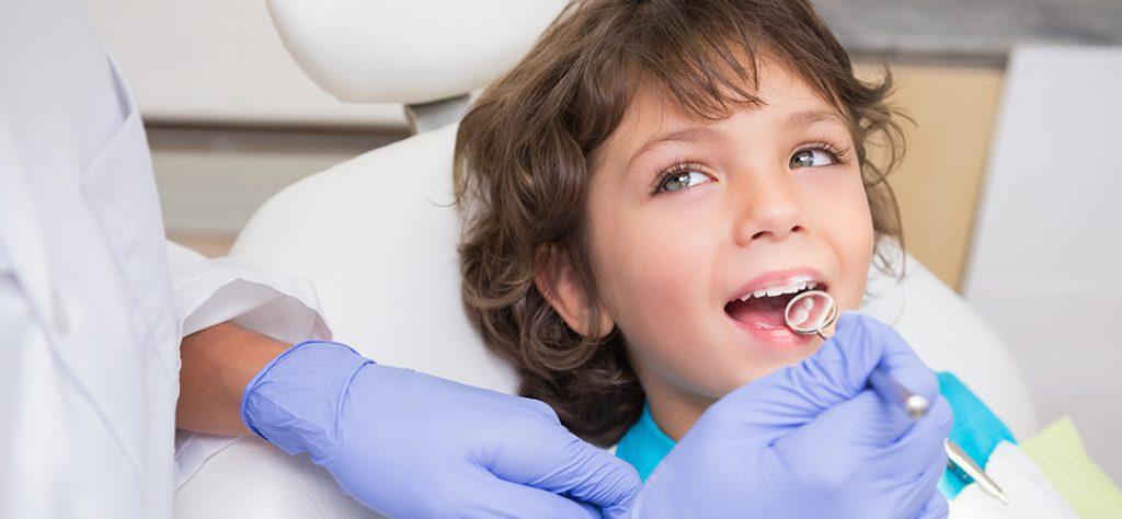 visitar dentista periodicamente Gingivitis en niños